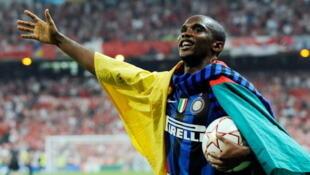 Samuel Eto'o porte haut les couleurs du Cameroun avec l'Inter Milan.