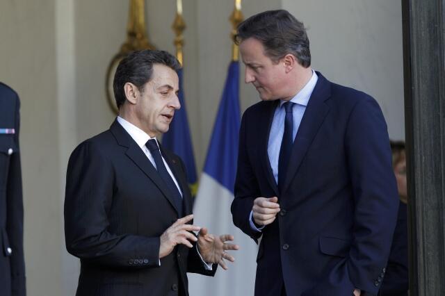 British PM  David Cameron (L) with French President Nicolas Sarkozy