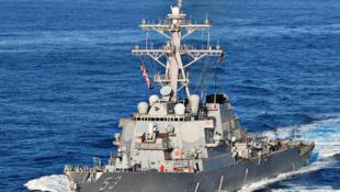"""美海军阿利·伯克级驱逐舰""""约翰·保罗·琼斯""""号资料图片"""