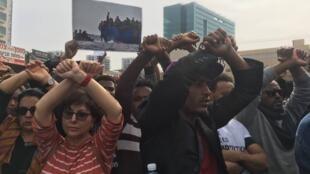 Près de 40 000 Erythréens et Soudanais sont concernés par ce projet du gouvernement. Ils refusent un départ vers le Rwanda ou l'Ouganda, estimant leur vie menacée dans ces pays.
