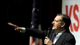 le candidat républicain Ted Cruz lors d'un discours à Wichita, dans le Kansas, qu'il a remporté avec le Maine lors des caucus du samedi 5 mars.