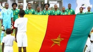 CAN. 21 janvier 2010. L'équipe de football du Cameroun entonne le Chant du Ralliement, avant son match contre la Tunisie.