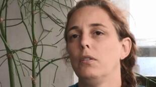 La artista Tania Bruguera en 2015, en entrevista con France24.