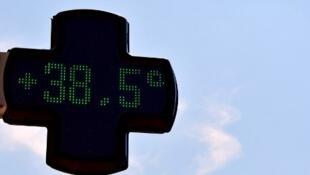 Les températures pourraient grimper jusqu'à 40° sur la quasi totalité de l'Hexagone (illustration).