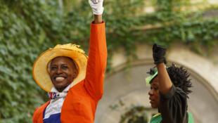 """19-Born- 76-Rebels"", interprété par Mamela Nyamza & Faniswa Yisa."