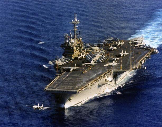 1996年台海爆發危機時,美國獨立號航母戰鬥群進入台灣海峽。