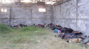 Les corps des 72 migrants clandestins tués au ranch de San Fernando.