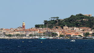 16 kilometres of coastline have been affected by the spill on the Gulf of Saint-Tropez.