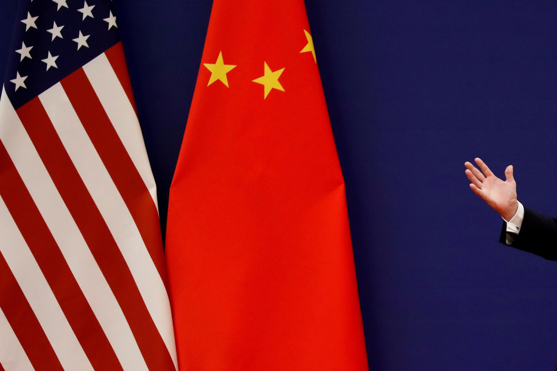 Trung Quốc buộc tội Washington sử dụng các « chiêu thức » « sách nhiễu thương mại » và « hù dọa » Trung Quốc trên bình diện kinh tế.
