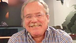 Alberto Barrera Tyszka en los estudios de RFI