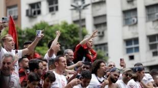 Jorge Jesus é campeão do Brasileirão um dia depois de conquistar a Libertadores
