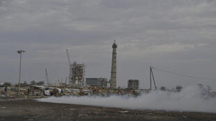 La nouvelle centrale au charbon de Bargny se trouve près du lieu de fumage du poisson.