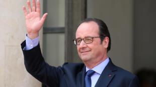Papa Francisco recebe François Hollande