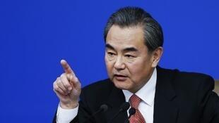 图为中国外长王毅