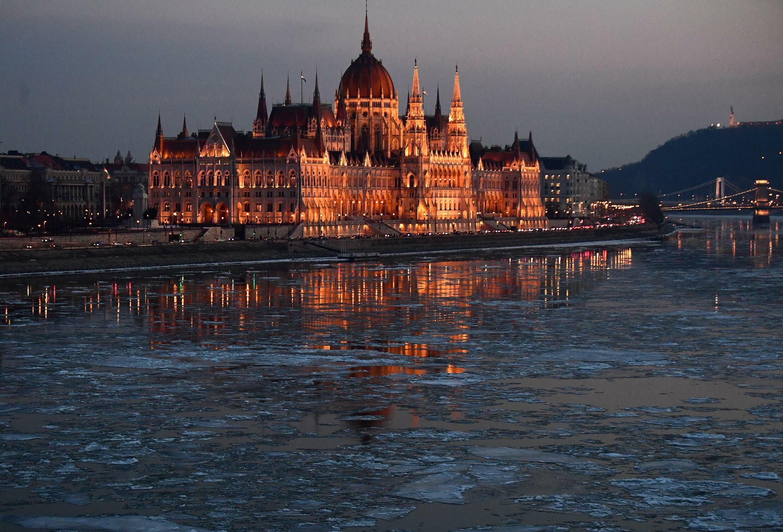 Hungria - Húngaros - Europa - Viktor Orbán - União Europeia - Hongrie - Hungary - Parlamento Húngaro