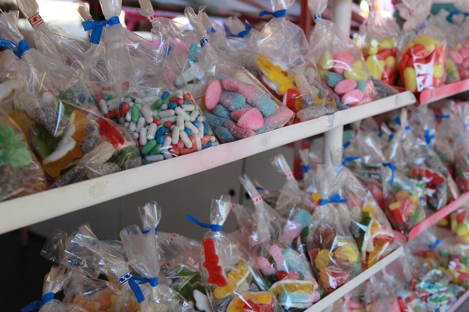 Delícias industrializadas na França são fabricadas com corante considerado  cancerígeno