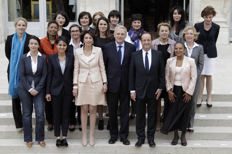 Женская половина нового кабинета министров Франции, Елисейский дворец, 7 мая 2012 года
