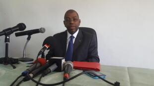 Le Gabonais Alexandre Barro Chambrier le 30 octobre 2018 à Libreville, lors d'une conférence de presse tenue après sa défaite aux législatives.