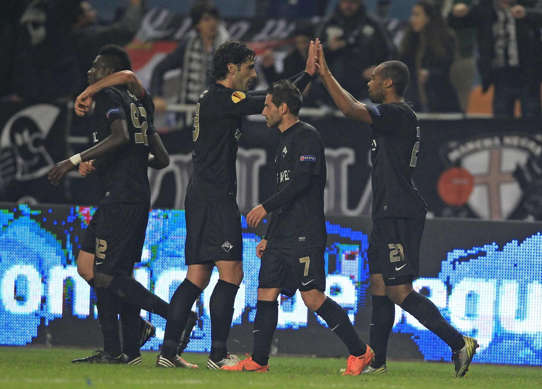Jogadores da Académica celebram segundo golo