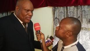 L'opposant Paulin Makaya au micro de RFI à Brazzaville, le samedi 26 janvier 2019.