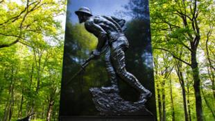 La stèle de la bataille du bois Belleau.