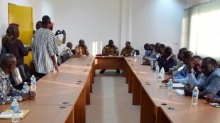 Zaman sulhu tsakanin 'Yan siyasa da Shugaban Sojan Burkina Isaac Zida, a Ouagadougou