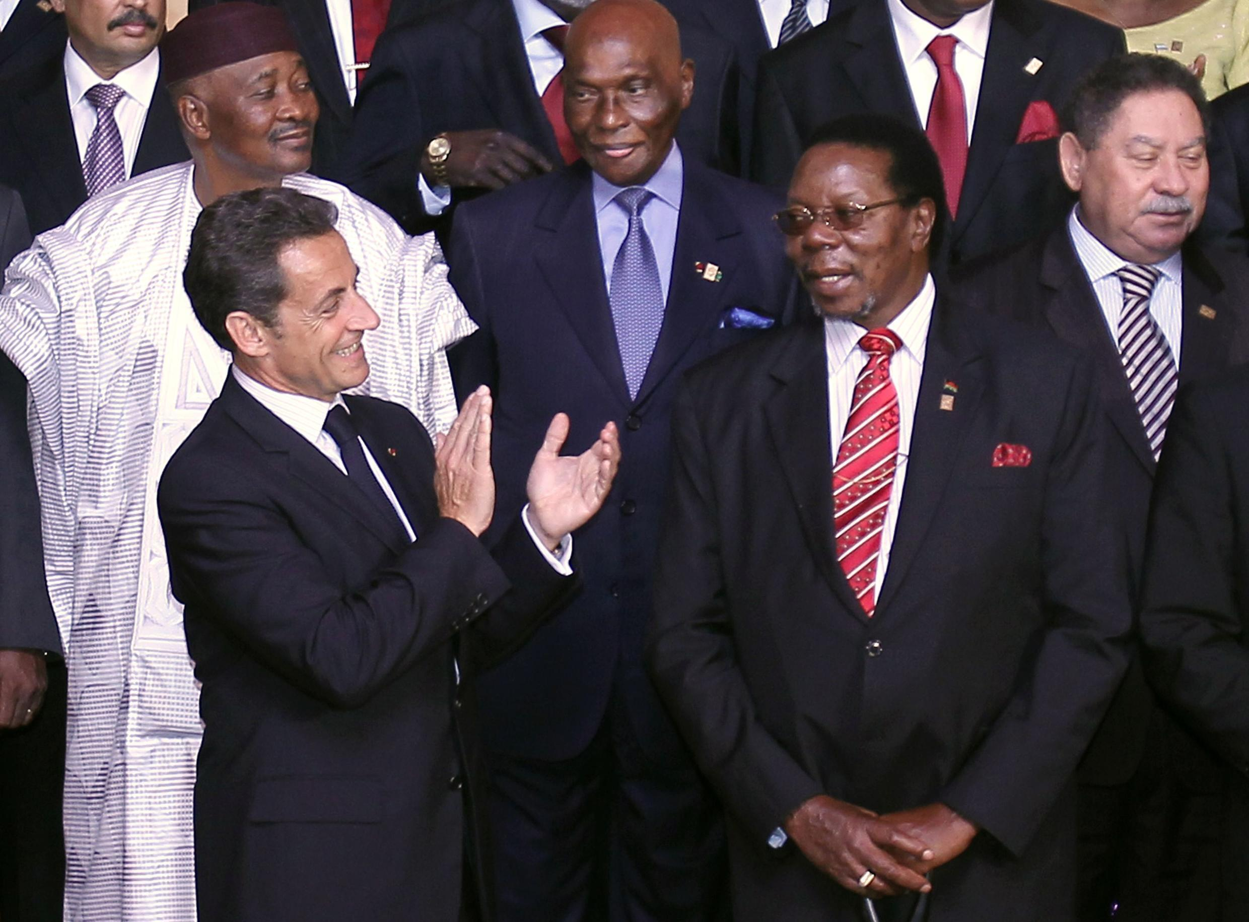 French President Nicolas Sarkozy posing with African leaders in Nice, 31 May