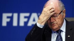 Blatter renunciou ao cargo menos de uma semana após ter sido reeleito.