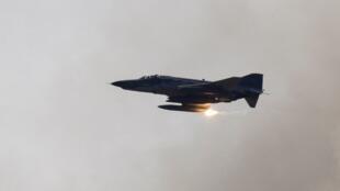 La Turquie est toujours sans nouvelles des pilotes de l'avion (du type de celui sur cette photo) abattu par la Syrie, vendredi 22 juin 2012.