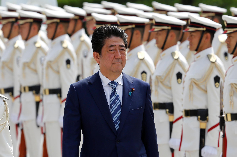 O primeiro-ministro japonês Shinzo Abe vai dissolver o Parlamento dia 28 de setembro