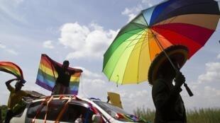 Relatório sobre direitos humanos recomenda alterações da lei e agravamento das penas por discriminação.