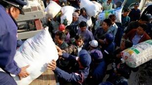 Tại một trại tỵ nạn ở vùng Kokang, nơi mà tổng thống Miến Điện đã ban hành tình trạng khẩn cấp.