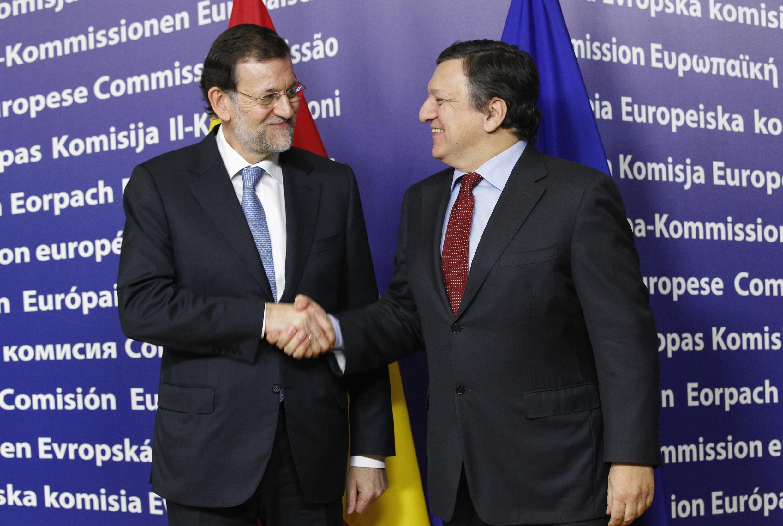 Presidente da Comissão Europeia, José Manuel Durão Barroso, recebe o primeiro-ministro espanhol, Mariano Rajoy, em Bruxelas.