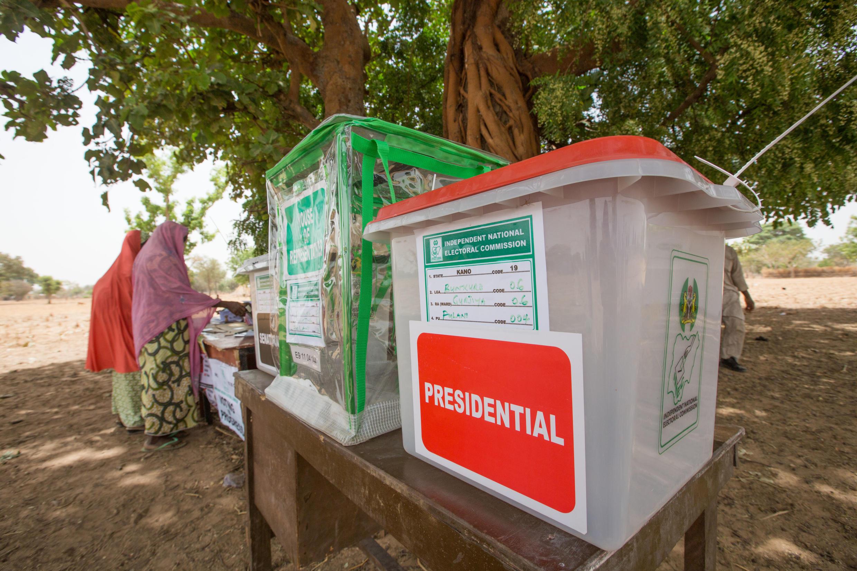 O sistema biométrico de votação apresentou problemas em vários locais de votação na Nigéria.