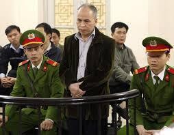 Phiên xử nhà văn Phạm Việt Đào tại Hà Nội ngày 19/03/2014 - @RSF