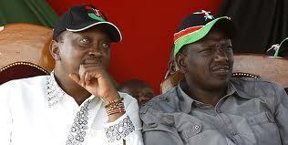 Makamu rais wa Kenya Wiliam Ruto (kulia) na rais Uhuru Kenyatta (kushoto).