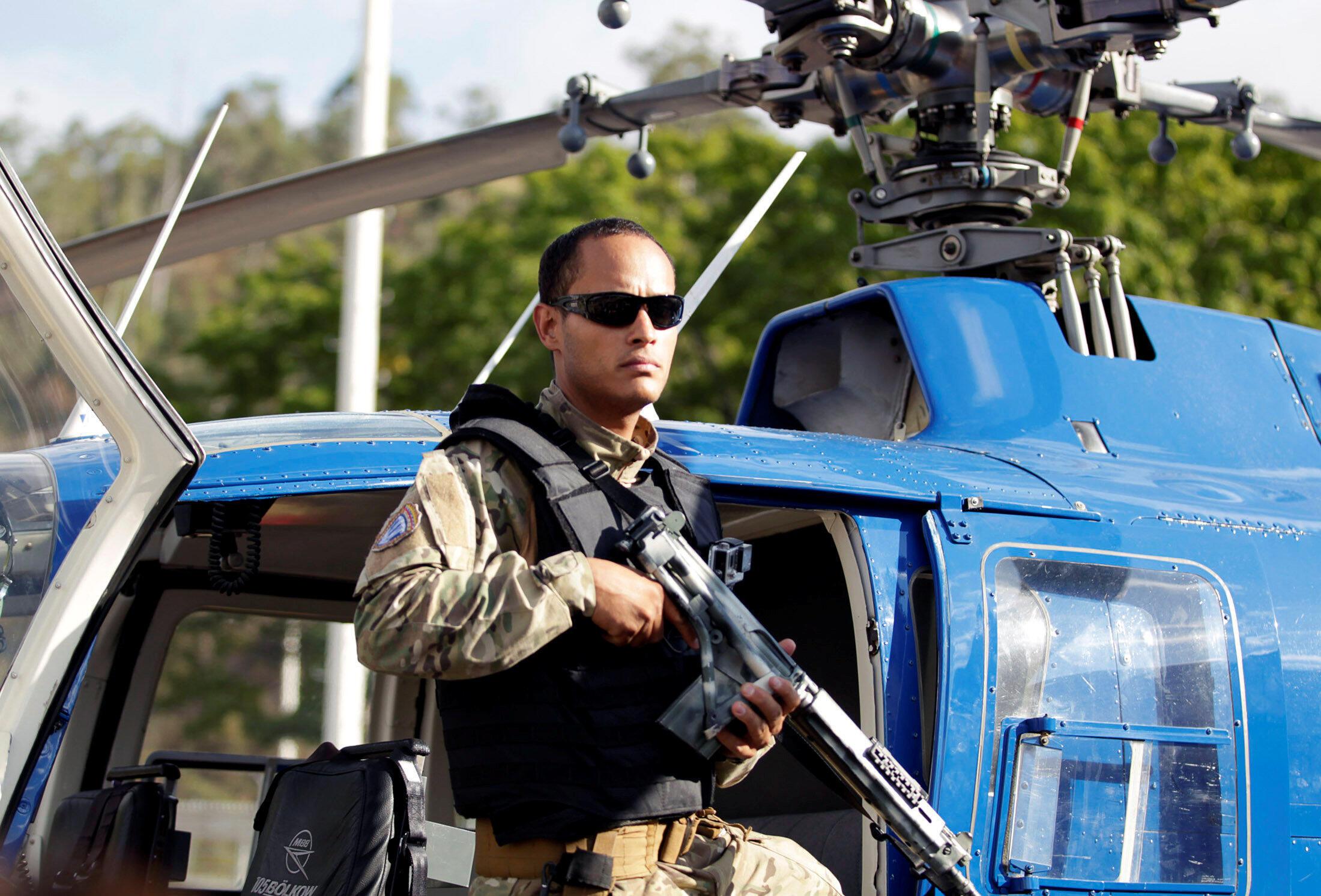 Viên sĩ quan cảnh sát Venezuela, Oscar Perez, người lái trực thăng tấn công Tòa Án Tối Cao. Ảnh chụp tại Caracas, ngày 01/03/2015.