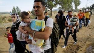 2015年9月8日从希腊到马其顿的难民