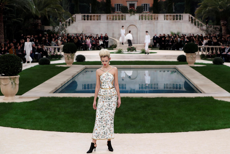 Modelo de Chanel. Alta Costura Primavera-Verano 2019.