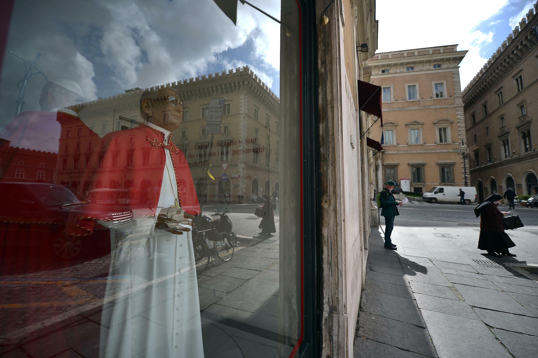 Una figura del papa Juan Pablo I, en una vitrina del museo de cera de Roma, en una imagen del 11 de marzo de 2013