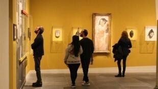 """تابلوی نقاشی اثر پابلو پیکاسو در نمایشگاه """"دادا، آفریقا"""" موزه اورانژری پاریس"""