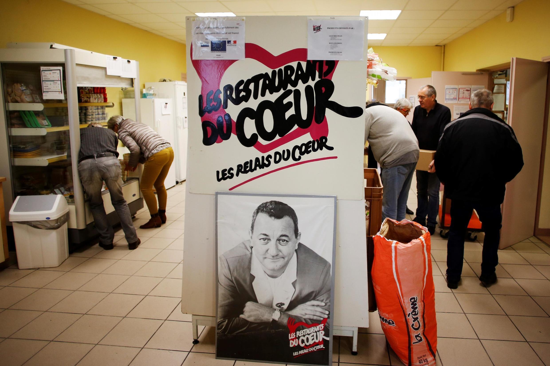 Недоброкачественные стейки поставлялись в Красный крест, Французскую ассоциацию продовольственных банков, и в организации Restos du Cœur и Secours populaire.