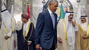 Tổng thống Mỹ Barack Obama tại Riyad cùng với vua Salman và các lãnh đạo tham dự thượng đỉnh Hội Đồng Hợp Tác Vùng Vịnh, ngày 21/04/2016.
