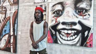 Zoro Zipa, street artist d'Abidjan au musée d'art contemporain Adama Toungara d'Abobo.jpg Côte d'Ivoire