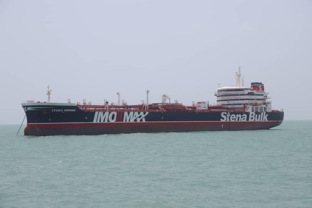 """نفتکش بریتانیایی """"استینا ایمپرو"""" که به دست سپاه پاسداران در روز جمعه ۲۸ تیر/ ۱۹ ژوئیه در خلیج فارس توقیف شد."""