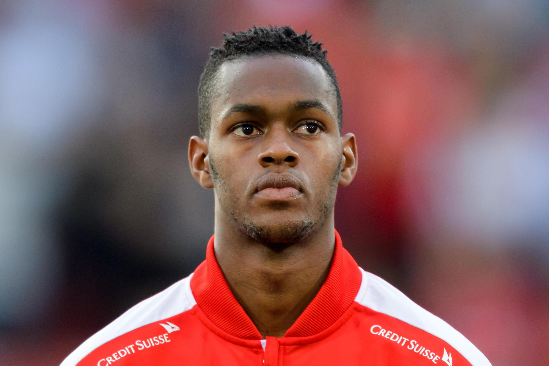 Edimilson Fernandes, médio suíço-cabo-verdiano do Mainz.