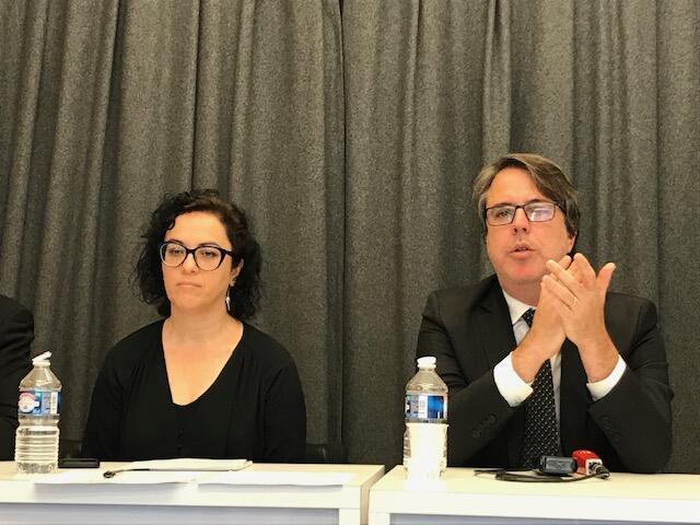 A filósofa e escritora Marcia Tiburi e o juiz Rubens Casara na coletiva da Fundação jean Jaurès.