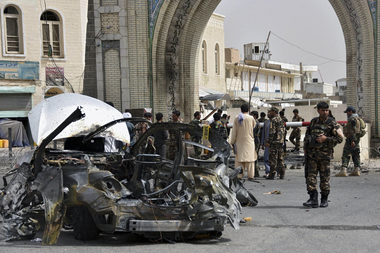 Après l'explosion d'une voiture à Kandahar