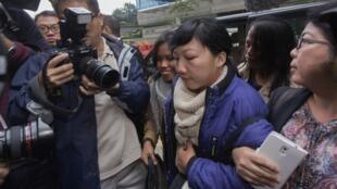 Erwiana Sulistyaningsih à son arrivée au tribunal à Hong Kong, le 8 décembre 2014.