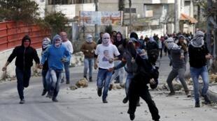 Uma nova onda de violência entre palestinos e israelenses começou em outubro de 2015.